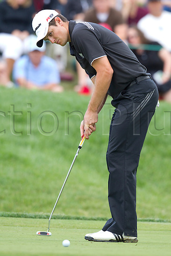 06 JUN 2010: Justin Rose putts for birdie on the par 4, 14th hole  during the final round of the Memorial Tournament held at Muirfield Village G.C. in Dublin, Ohio.  Rose shot a 6 under par 66 to win the tournament by 3 strokes over Rickie Fowler.