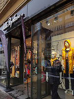 Modegesch&auml;ft, Avenue de la Gare, Luxemburg-City, Luxemburg, Europa<br /> Fashion shop  Avenue de la Gare,  Luxembourg City, Europe