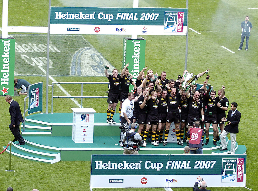 Photo: Jonathan Butler..London Wasps v Leicester Tigers. Heineken Cup Final. 20/05/2007..Wasps celebrate winning the Heineken Cup final as they are presented with the trophy.