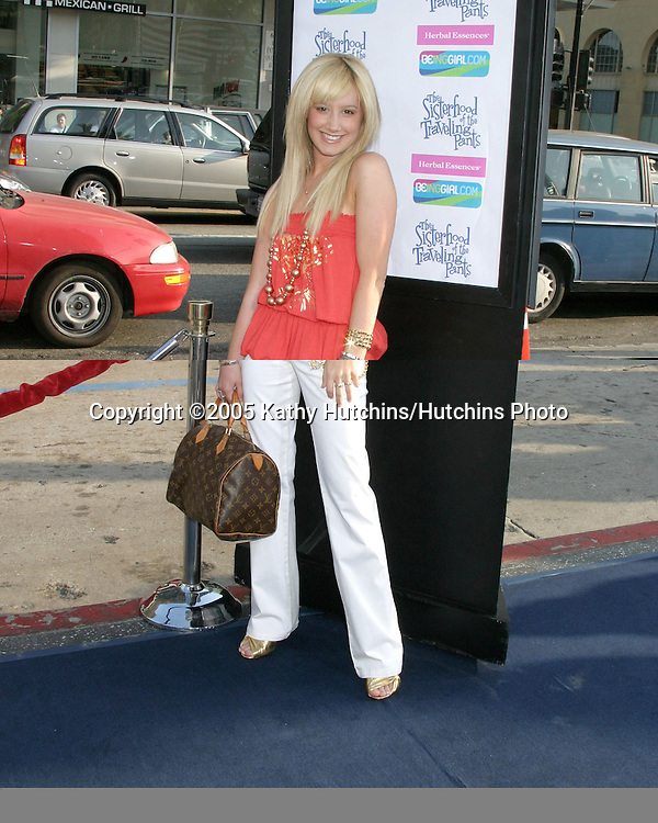 Ashley Tisdale.The Sisterhood of the Traveling Pants Premiere.Hollywood, CA.May 31, 2005.©2005 Kathy Hutchins / Hutchins Photo