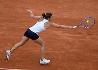 Virginia Ruano Pascual (ESP) against Serena Williams (USA) (2) in the second round of the Women's Sngles. Williams beat Pascual 6-2 6-0 ..Tennis - French Open - Day 5 - Wed 28th May 2009 - Roland Garros - Paris - France..Frey Images, Barry House, 20-22 Worple Road, London, SW19 4DH.Tel - +44 20 8947 0100.Cell - +44 7843 383 012