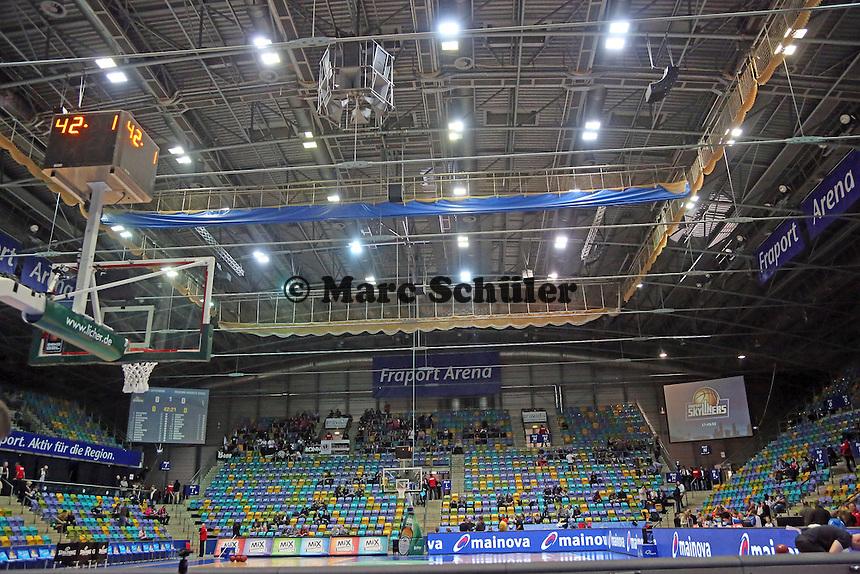 Leerer Innenraum der Ballsporthalle - Fraport Skyliners vs. Telekom Baskets Bonn, Fraport Arena Frankfurt