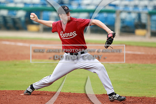Houston Astros minor league pitcher Ross Seaton during a game vs. the Chinese National Team in an Instructional League game at Holman Stadium in Vero Beach, Florida September 28, 2010.   Photo By Mike Janes/Four Seam Images