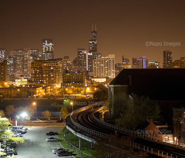 CHICAGO, ILLINOIS, USA 28 APRIL, 2012:.Night skyline of centre of the town, Sears Tower in the middle..(Photo by Piotr Malecki / Napo Images)..CHICAGO, ILLINOIS, USA 28/04,2012:.Nocny widok centrum miasta z Sears Tower..Fot: Piotr Malecki / Napo Images
