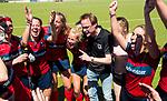NIJMEGEN -  Vreugde bij Huizen , met coach Boaz Janssen (Huizen)    na   de tweede play-off wedstrijd dames, Nijmegen-Huizen (1-4), voor promotie naar de hoofdklasse.. Huizen promoveert naar de hoofdklasse.  COPYRIGHT KOEN SUYK