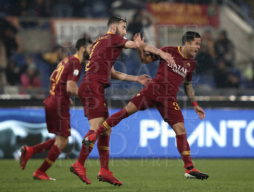 Football, Serie A: AS Roma - Genoa, Olympic stadium, Rome, December 16, 2018. <br /> Roma&rsquo;s Justin Kluivert (r) celebrates after scoring with his teammates during the Italian Serie A football match between Roma and Genoa at Rome's Olympic stadium, on December 16, 2018.<br /> UPDATE IMAGES PRESS/Isabella Bonotto