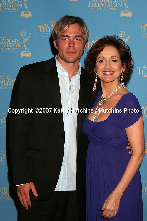 John-Paul Lavoisier & Robin Strasser.Creative Arts Daytime Emmys 2007.Hollywood & Highland Ballroom.Los Angeles, CA.June 14, 2007.©2007 Kathy Hutchins / Hutchins Photo....