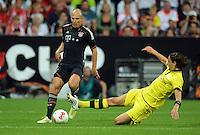 FUSSBALL   1. BUNDESLIGA   SAISON 2012/2013   SUPERCUP FC Bayern Muenchen - Borussia Dortmund            12.08.2012 Arjen Robben (li, FC Bayern Muenchen) gegen Neven Subotic (Borussia Dortmund)