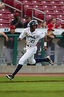Cedar Rapids Kernels shortstop Niko Goodrum #21 runs during a game against the Lansing Lugnuts at Veterans Memorial Stadium on April 29, 2013 in Cedar Rapids, Iowa. (Brace Hemmelgarn/Four Seam Images)