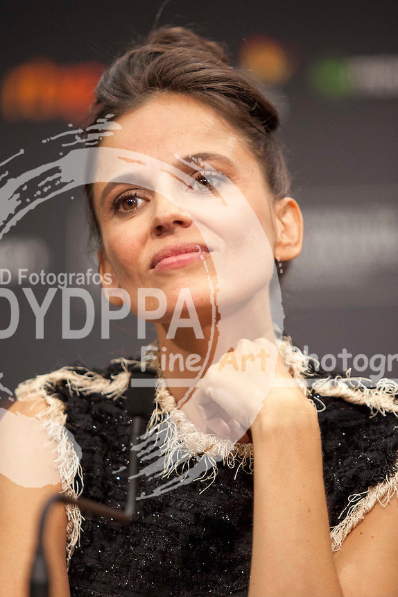Elena Anaya poses