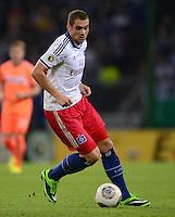 FUSSBALL   DFB POKAL   SAISON 2013/2014   2. HAUPTRUNDE Hamburger SV - SpVgg Greuther Fuerth                 24.09.2013 Pierre-Michel Lasogga (Hamburger SV)  am Ball