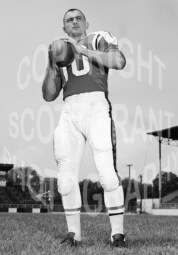 Bob O'bilovich Ottawa Rough Riders quarterback 1964. Copyright photograph Ted Grant