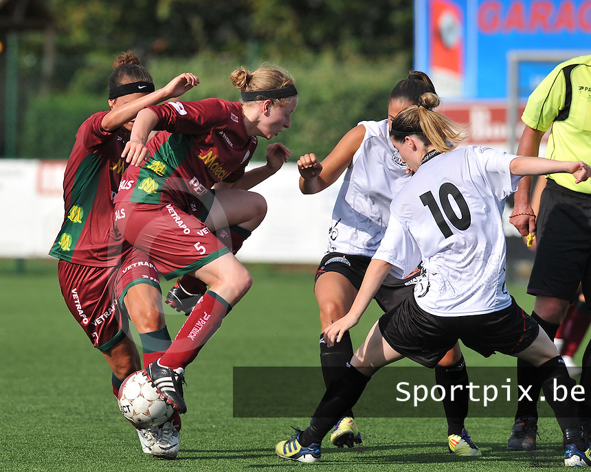 SV Zulte Waregem Dames : Francoise Delcoigne in duel.foto DAVID CATRY / Vrouwenteam.be