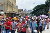 SAO PAULO, SP, 08 MARÇO DE 2012 _Manifestantes se reune na Estacoa da Luz para protestar contra a acao da PM na reintegracao de posse de Pinheirinho ( Sao Jose dos Campos) A manifestacao segue para paraca da Se.(FOTO: ADRIANO LIMA - BRAZIL PHOTO PRESS)