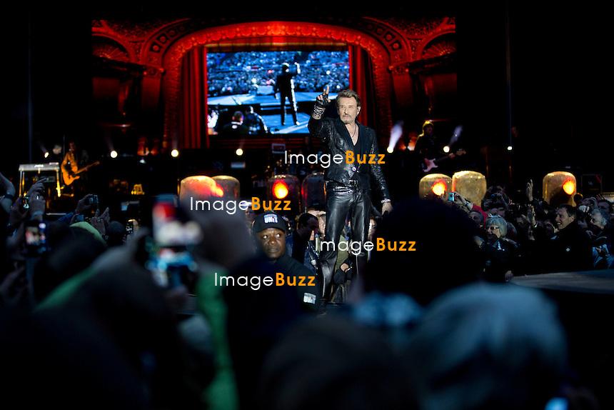 Johnny Hallyday en concert en plein air en Belgique, sur l'esplanade de la Citadelle de Namur devant 15.000 fans.<br /> Belgique, Namur, 23 juin 2013.