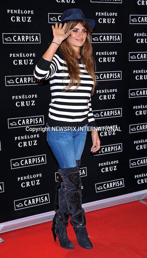 04.11.2015; Milan, Italy: PENELOPE CRUZ<br />rocks in smart casual attire.<br />The 41-year-old actress chose a pair of tight jeans, over-the-knee boots and finished it off with a fedora for her appearance at a fashion launch for handbag brand Carpisa.<br />Mandatory Credit Photo: &copy;NEWSPIX INTERNATIONAL<br /><br />**ALL FEES PAYABLE TO: &quot;NEWSPIX INTERNATIONAL&quot;**<br /><br />PHOTO CREDIT MANDATORY!!: NEWSPIX INTERNATIONAL(Failure to credit will incur a surcharge of 100% of reproduction fees)<br /><br />IMMEDIATE CONFIRMATION OF USAGE REQUIRED:<br />Newspix International, 31 Chinnery Hill, Bishop's Stortford, ENGLAND CM23 3PS<br />Tel:+441279 324672  ; Fax: +441279656877<br />Mobile:  0777568 1153<br />e-mail: info@newspixinternational.co.uk