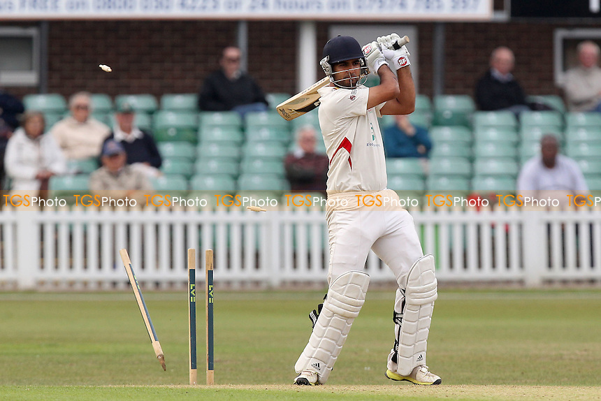 Atif Sheikh of Leicestershire is bowled out by Graham Napier - Leicestershire CCC vs Essex CCC - LV County Championship Division Two Cricket at Grace Road, Leicester - 15/09/14 - MANDATORY CREDIT: Gavin Ellis/TGSPHOTO - Self billing applies where appropriate - contact@tgsphoto.co.uk - NO UNPAID USE
