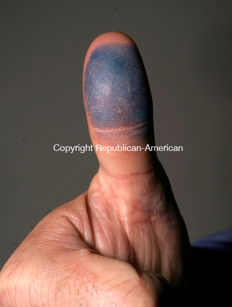 WATERBURY, CT--05 APRIL 2007--040507JS20-Thumb for illustration.<br /> Jim Shannon / Republican-American