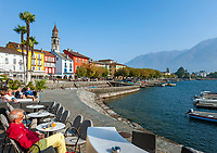 Switzerland, Ticino, Ascona at Lago Maggiore: seaside restaurant and café | Schweiz, Tessin, Ascona am Lago Maggiore: Café und Bar direkt am See