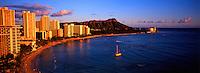 Waikiki Beach with Diamond Head crater on the right, Honolulu, Oahu, Hawaii.