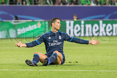 06.04.2016. Wolfsburg, Geramny. UEFA Champions League quarterfinal. VfL Wolfsburg versus Real Madrid.  Wolfsburg Cristiano Ronaldo (Real Madrid CF 7) asks the referee for a decision
