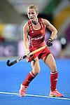 ENG - London, England, August 28: During the women semi-final match between England (red) and Spain (yellow) on August 28, 2015 at Lee Valley Hockey and Tennis Centre, Queen Elizabeth Olympic Park in London, England. Final score 2-1 (1-0). (Photo by Dirk Markgraf / www.265-images.com) *** Local caption *** Shona McCALLIN #24 of England