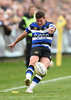 Freddie Burns of Bath Rugby kicks for the posts. Aviva Premiership match, between Bath Rugby and Worcester Warriors on October 7, 2017 at the Recreation Ground in Bath, England. Photo by: Patrick Khachfe / Onside Images