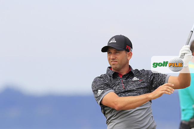 Sergio Garcia (ESP) tees off the 18th tee during Thursday's Round 1 of the 2015 U.S. Open 115th National Championship held at Chambers Bay, Seattle, Washington, USA. 6/18/2015.<br /> Picture: Golffile | Eoin Clarke<br /> <br /> <br /> <br /> <br /> All photo usage must carry mandatory copyright credit (&copy; Golffile | Eoin Clarke)