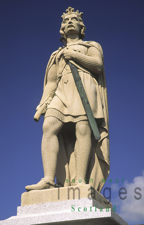 Statue of Robert the Bruce in the centre of Lochmaben in Annandale Dumfries and Galloway Scotland UK
