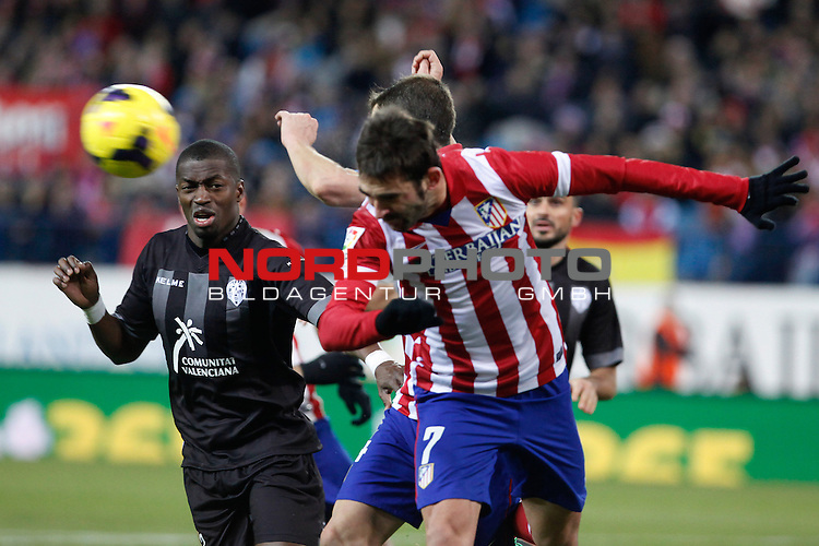 Atletico de Madrid¬¥s Adrian (R) and  Levante¬¥s DIop during La Liga 2013-14 match at Vicente Calderon stadium, Madrid. December 21, 2013. Foto © nph / Victor Blanco)