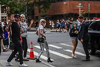 NOVA YORK, EUA, 05.09.2019 - CELEBRIDADE-EUA -  Josh Carter e Sarah Barthel, da dupla musical do Phantogram sao vistos no bairro do Soho em Manhattan na cidade de Nova York nesta quinta-feira, 05 (Foto: Vanessa Carvalho/Brazil Photo Press/Folhapress)
