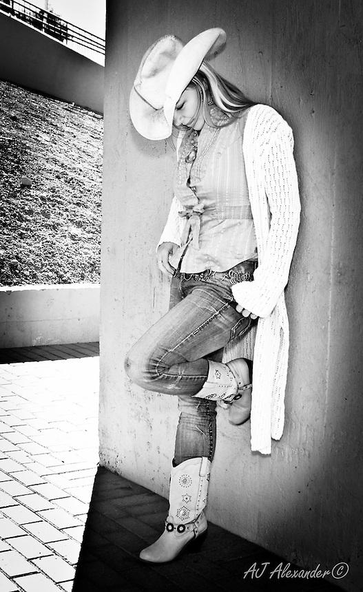 AJ ALEXANDER/AAP  Model Ape Shirley- AJ Alexander Photog 11/17/2014<br /> Photo by AJ ALEXANDER (c)<br /> Author/Owner AJ Alexander