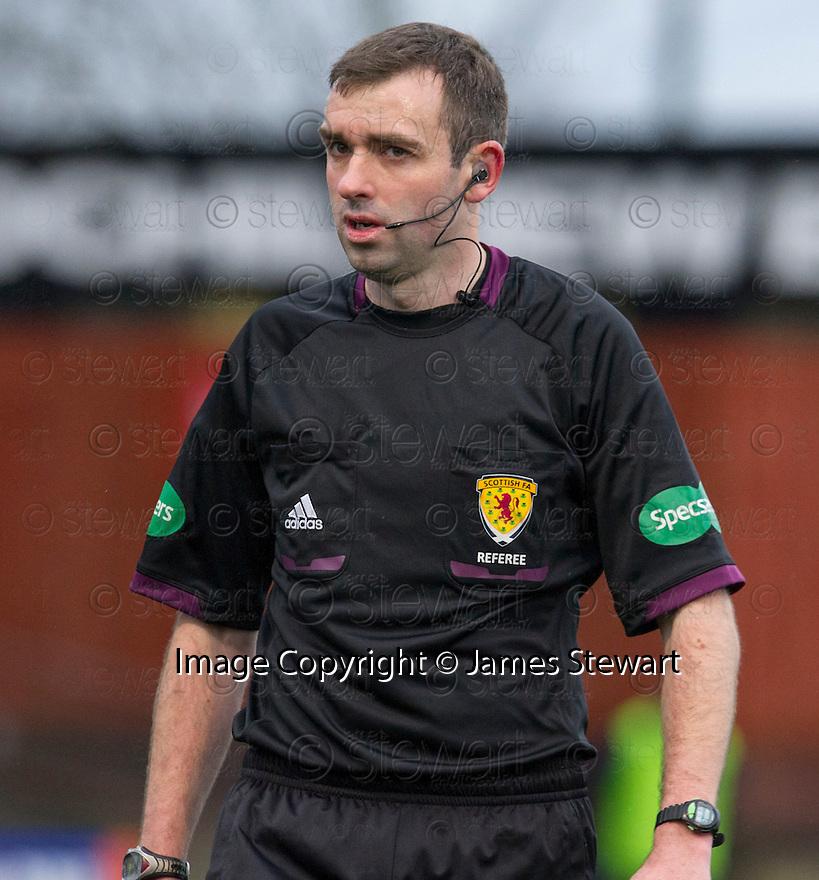 Referee Kevin Graham.