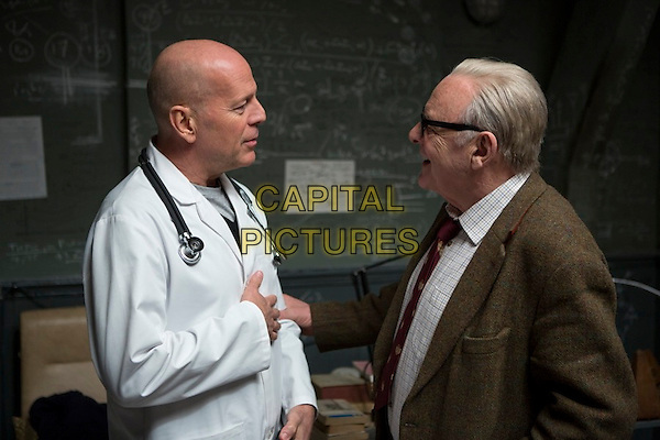 Bruce Willis &amp; Anthony Hopkins<br /> in Red 2 (2013) <br /> *Filmstill - Editorial Use Only*<br /> CAP/NFS<br /> Image supplied by Capital Pictures