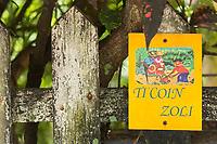 France, île de la Réunion, Saint Joseph, Manapany les Bains, enseigne chambre d'hôte // France, Ile de la Reunion (French overseas department), Saint Joseph, Manapany les Bains:  Bed and Breakfast sign