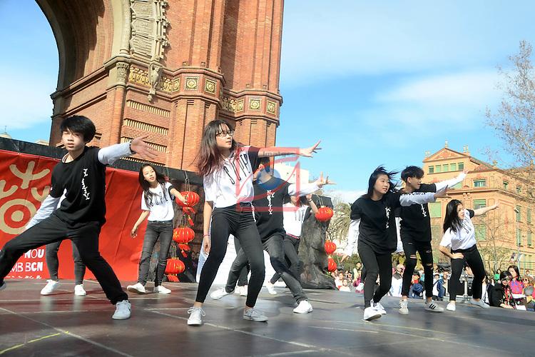 Celebracion Año Nuevo Chino (Año del Gallo) en Barcelona.