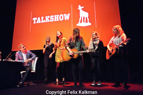 Utrecht, 25 september 2014<br /> Nederlands Film Festival<br /> Talkshow o.l.v. Art Rooijakers<br /> Met 3FM Serious Talent Bells of Youth. <br /> Foto Felix Kalkman