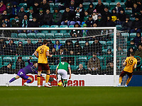 23rd November 2019; Easter Road, Edinburgh, Scotland; Scottish Premiership Football, Hibernian versus Motherwell; Liam Polworth of Motherwell scores the opening goal to make it 1-0 for Motherwell in the 9th minute - Editorial Use