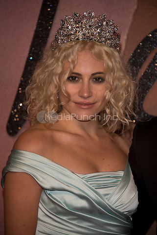 Pixie Lott<br /> The Fashion Awards 2016 , arrivals at the Royal Albert Hall, London, England on December 05 2016.<br /> CAP/PL<br /> ©Phil Loftus/Capital Pictures /MediaPunch ***NORTH AND SOUTH AMERICAS ONLY***