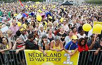 Nederland  Amsterdam 2016.  Enkele duizenden mensen hebben zondagmiddag meegelopen met de Parade van Ieder1, een optocht van Amsterdam-Zuidoost naar het Museumplein om de diversiteit van Nederland te vieren, zoals de organisatie het noemde.  Foto Berlinda van Dam / Hollandse Hoogte