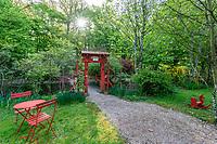 France, Indre-et-Loire (37), Amboise, la pagode de Chanteloup, espace détente et porte vers le jardin anglo-chinois