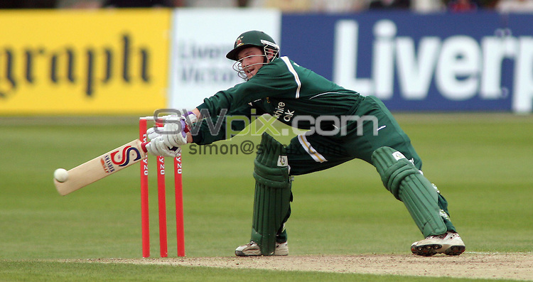 PICTURE BY VAUGHN RIDLEY/SWPIX.COM -  Cricket - Twenty20 Cup - Nottinghamshire v Yorkshire - Trent Bridge, Nottingham, England - 30/06/06...? Simon Wilkinson - 07811 267706...Nottinghamshire's Chris Read.