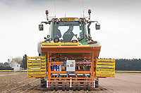 Planting fennel in the Lincolnshire fens<br /> Picture Tim Scrivener 07850 303986 <br /> scrivphoto@btinternet.com<br /> &hellip;.covering agriculture in the UK&hellip;.