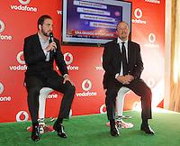 Vodafone presenta la nuova rete veloce la LTE ADVANCED che viaggera a 250Mbps Citta  test della rete sara  Napoli <br /> nella foto  higuain benitez
