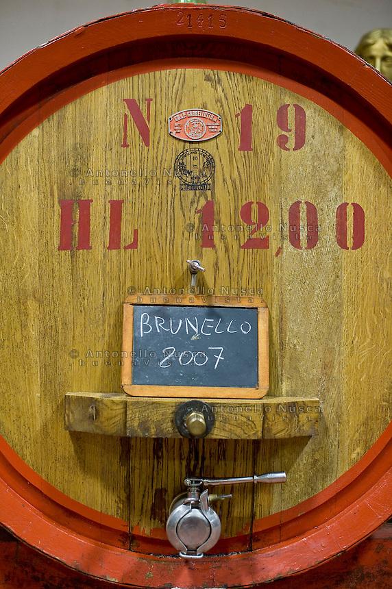 A barrel of Brunello di Montalcino.Una botte di Brunello di Montalcino del 2007