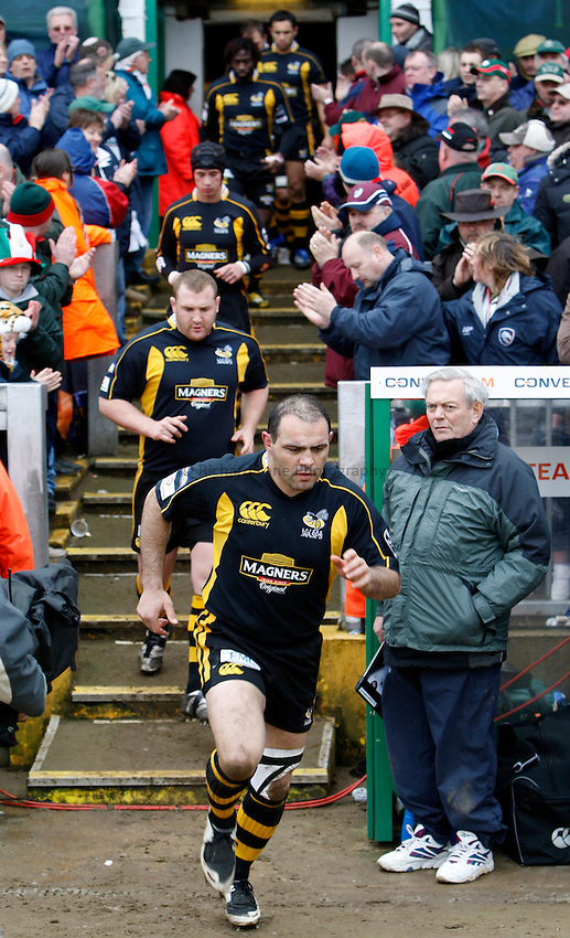 Photo: Richard Lane/Richard Lane Photography..Leicester Tigers v London Wasps. Guinness Premiership. 29/03/2008. Wasps' Raphael Ibanez leads the side out.