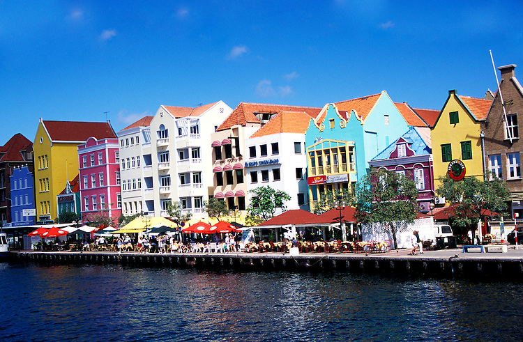 The Caribbean: Harbor at Curacao..Photo copyright Lee Foster, 510/549-2202, lee@fostertravel.com, www.fostertravel.com..Photo #: caribb102