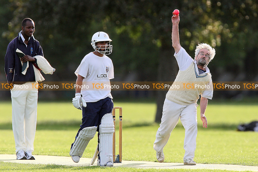 Old Fallopians CC (fielding) vs Hackney Downs CC - Victoria Park Community Cricket League - 21/06/11 - MANDATORY CREDIT: TGSPHOTO - Self billing applies where appropriate - Tel: 0845 094 6026