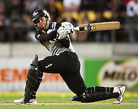 NZ's Ross Taylor bats during 2nd Twenty20 cricket match match between New Zealand Black Caps and West Indies at Westpac Stadium, Wellington, New Zealand on Friday, 27 February 2009. Photo: Dave Lintott / lintottphoto.co.nz