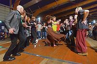 Danseurs - Jimme O'NEILL a gauche.Danse Plinn, avec couple dansant une polka Plinn